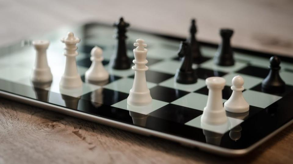 Strategic Acting: Are you doing something about your strategy or do you just know it?